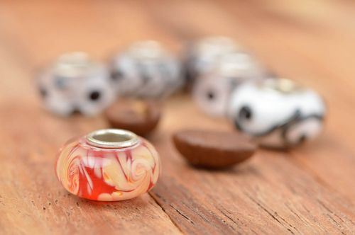 Beautiful handmade glass bead jewelry making ideas jewelry findings glass beads - MADEheart.com