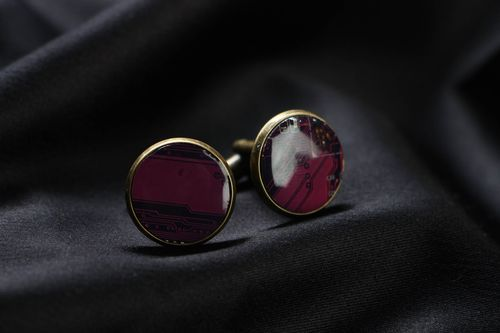 Unusual cyberpunk cufflinks with microchips - MADEheart.com