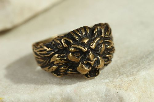 Bronze seal ring Lion - MADEheart.com