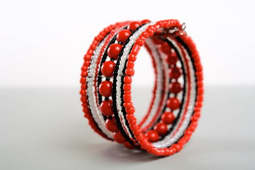 Ethnic beaded bracelet with coral - MADEheart.com