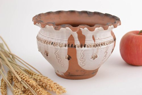 Handmade small designer brown and white ceramic pot in ethnic style for 1 l - MADEheart.com