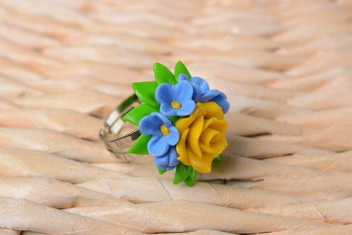 Handmade plastic jewelry flower ring fashion rings designer accessories - MADEheart.com