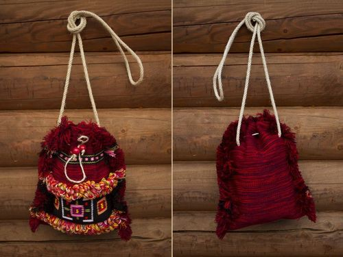 Woolen purse in ethnic style - MADEheart.com