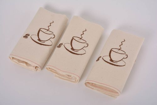 Set of 3 handmade decorative semi linen napkins with machine embroidered cups - MADEheart.com