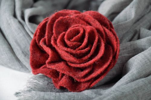 Brooch Wine Colored Rose - MADEheart.com