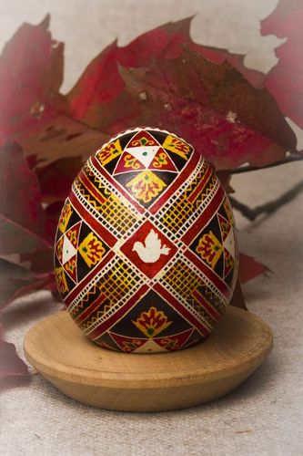 Decorative Easter egg Pigeon - MADEheart.com