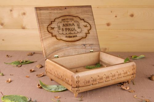 Personalised gift, large jewelry box made of wood - MADEheart.com