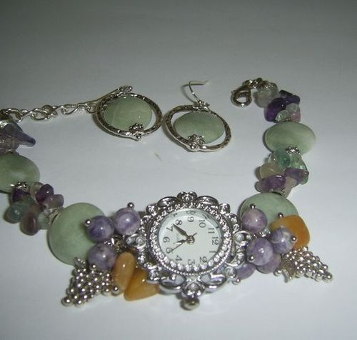Set of handmade jewelry with natural stones wristwatch and earrings - MADEheart.com