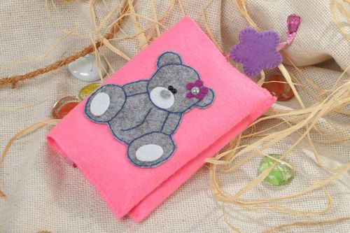 Handmade decorative passport cover sewn of pink felt with image of bear for girl - MADEheart.com