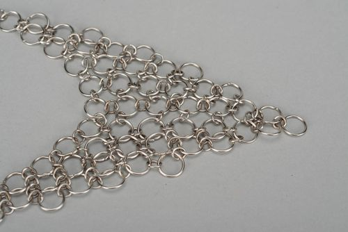 Necklace made of metal rings - MADEheart.com