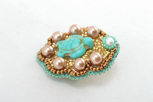 Beaded brooch with turquoise - MADEheart.com