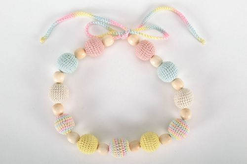 Sling beads in pastel tones - MADEheart.com