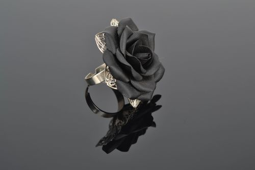 Polymer clay ring with black rose - MADEheart.com