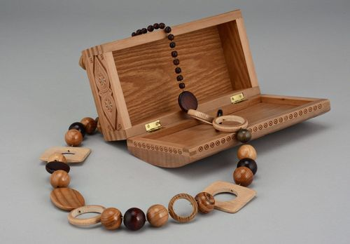 Wooden bead necklace without clasps - MADEheart.com