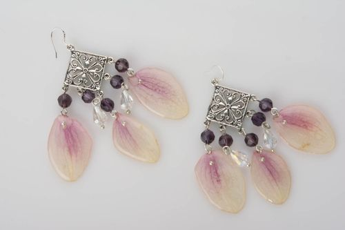 Handmade botanic earrings with orchid petals in epoxy resin large summer accessory - MADEheart.com