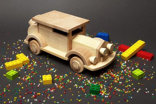 Wooden toy car - MADEheart.com