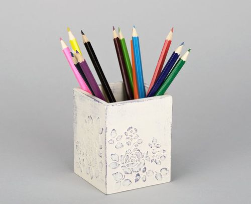Wooden box for pencils  - MADEheart.com