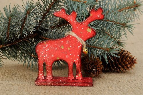 Figurine of a deer in decoupage - MADEheart.com