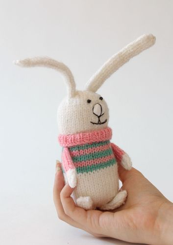 Knitted toy Hare in pink and green sweater - MADEheart.com