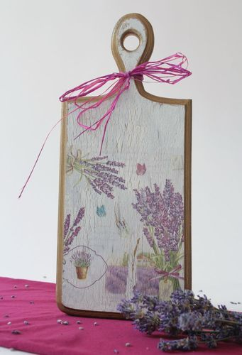 Cutting board made ​​of wood with decoupage - MADEheart.com