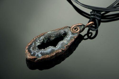 Copper Pendant with agate - MADEheart.com