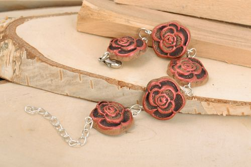 Handmade ethnic wrist bracelet on chain with painted ceramic floral elements - MADEheart.com