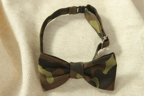 Cotton fabric bow tie of camouflage coloring - MADEheart.com
