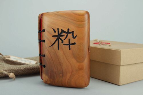 Designers notebook with wooden cover Neatness - MADEheart.com