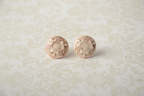 Ceramic stud earrings in ethnic style - MADEheart.com