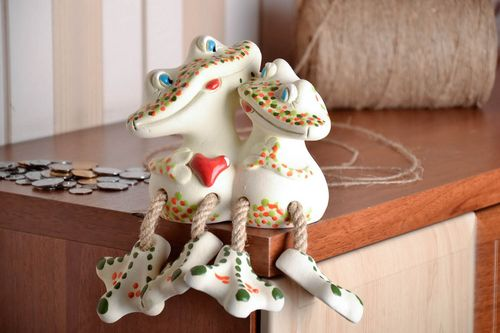 Ceramic money box Frogs in Love - MADEheart.com