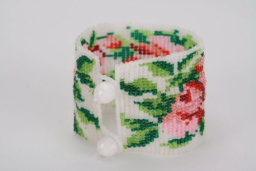 Bracelet with roses made of Czech beads   - MADEheart.com