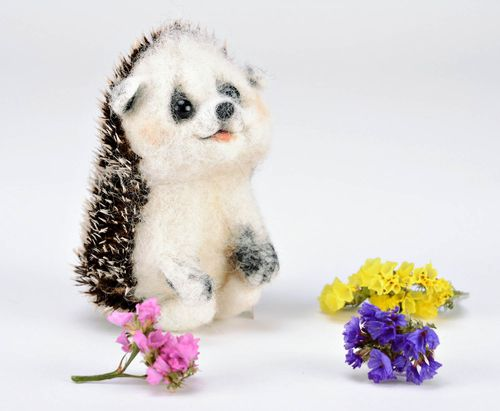 Woolen toy made using felting technique Hedgehog - MADEheart.com