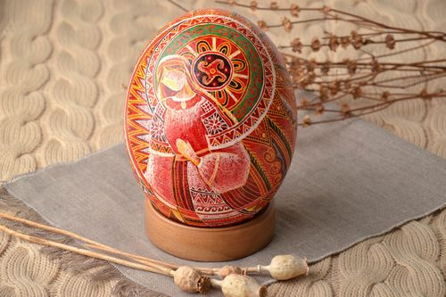 Easter ostrich egg with wooden holder - MADEheart.com