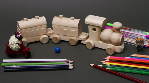 Wooden train with wagons - MADEheart.com