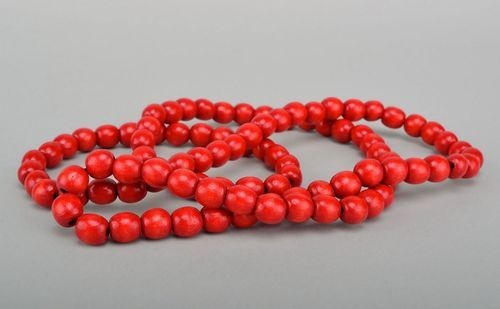 Woodem red beads - MADEheart.com