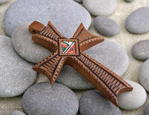 Pectoral wooden cross with inlaid Easter - MADEheart.com