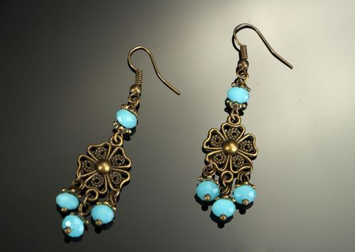 Earrings with bronze and crystal - MADEheart.com