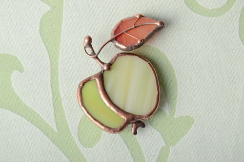 Stained glass brooch Green Apple - MADEheart.com