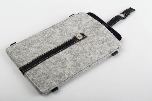 Handmade pad case gadget accessories woolen pad case stylish accessories - MADEheart.com