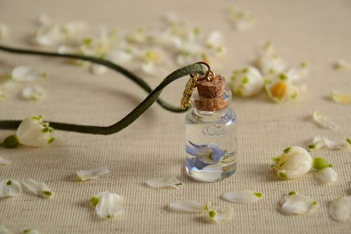 Beautiful handmade neck pendant with real flowers in epoxy resin vial - MADEheart.com