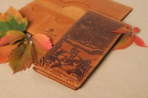 Unusual handmade leather wallet leather goods fashion trends best gifts for him - MADEheart.com