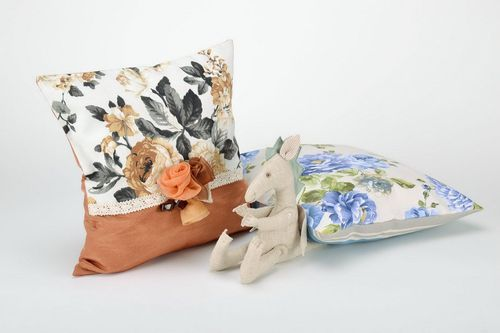 Cotton pillowcase, decorated with textile flowers and lace - MADEheart.com