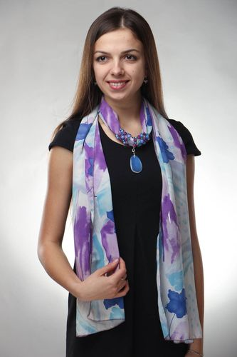 Fashionable scarf with natural stones - MADEheart.com