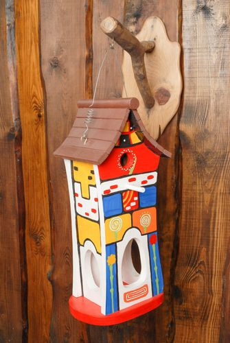Bright painted birdhouse - MADEheart.com