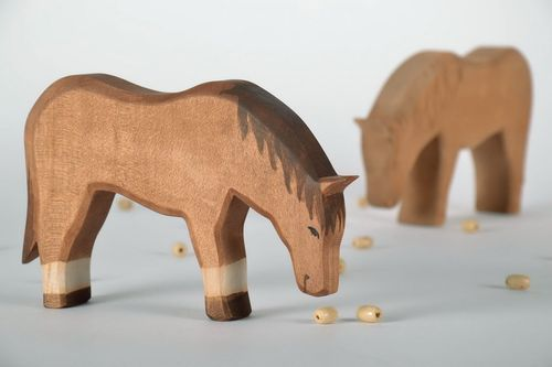 Wooden figurine Horse - MADEheart.com
