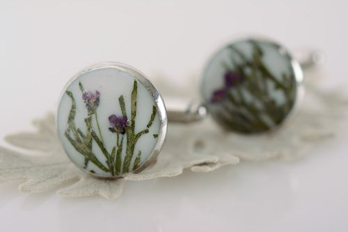 Handmade cufflinks with dried flowers coated with epoxy and with metal fittings - MADEheart.com