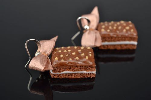 Polymer clay earrings in the shape of chocolate cakes - MADEheart.com