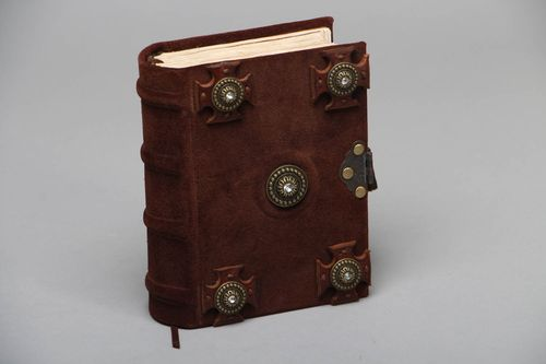 Handmade notebook with leather cover - MADEheart.com