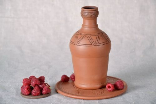 Ceramic bottle with stand - MADEheart.com
