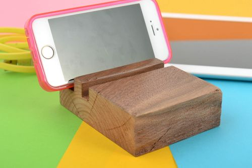 Designer eco friendly wooden varnished phone holder handmade stand for gadget - MADEheart.com